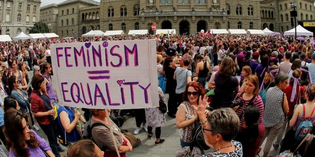 Frauen beim Frauenstreik in Bern im Juni 2019