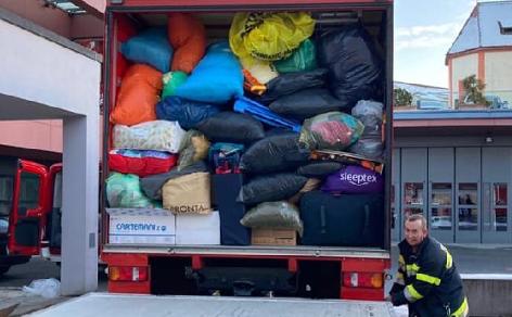 LKW mit Hilfsgütern