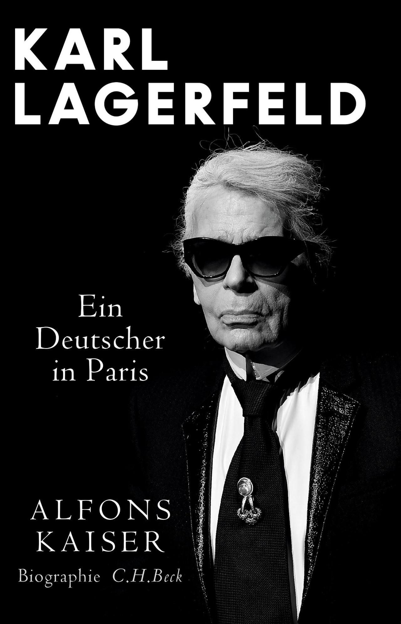 """Cover """"Ein Deutscher in Paris"""" Karl Lagerfeld Biographie"""