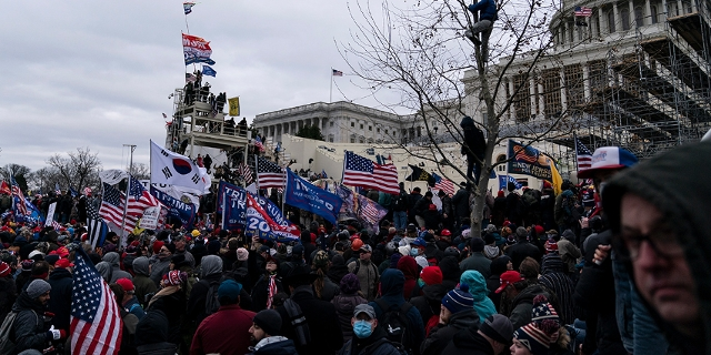 Vor dem Kapitol in Washington am 6. Jänner: Demonstration von Trump-Anhänger*innen