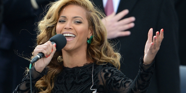 US singer Beyonce performs the National Anthem to conclude the 57th Presidential Inauguration