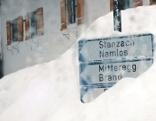Land der Berge Winter in Tirols Bergdörfern Originaltitel: Am Ende der Welt - In Mitteregg und Namlos