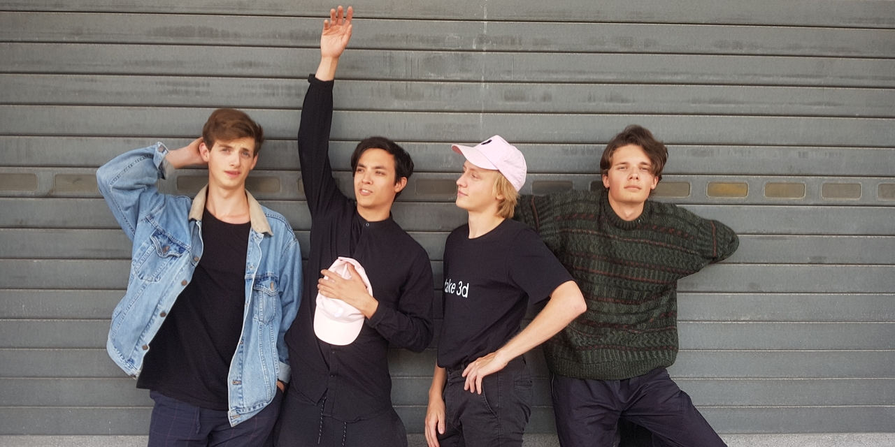 Bild der vier Entwickler des Sokpop Collectives