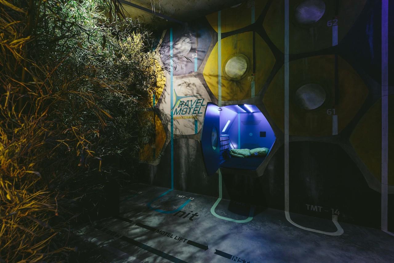 Time's Up: Fiktive Hafenstadt Installation RiseTurnton2047