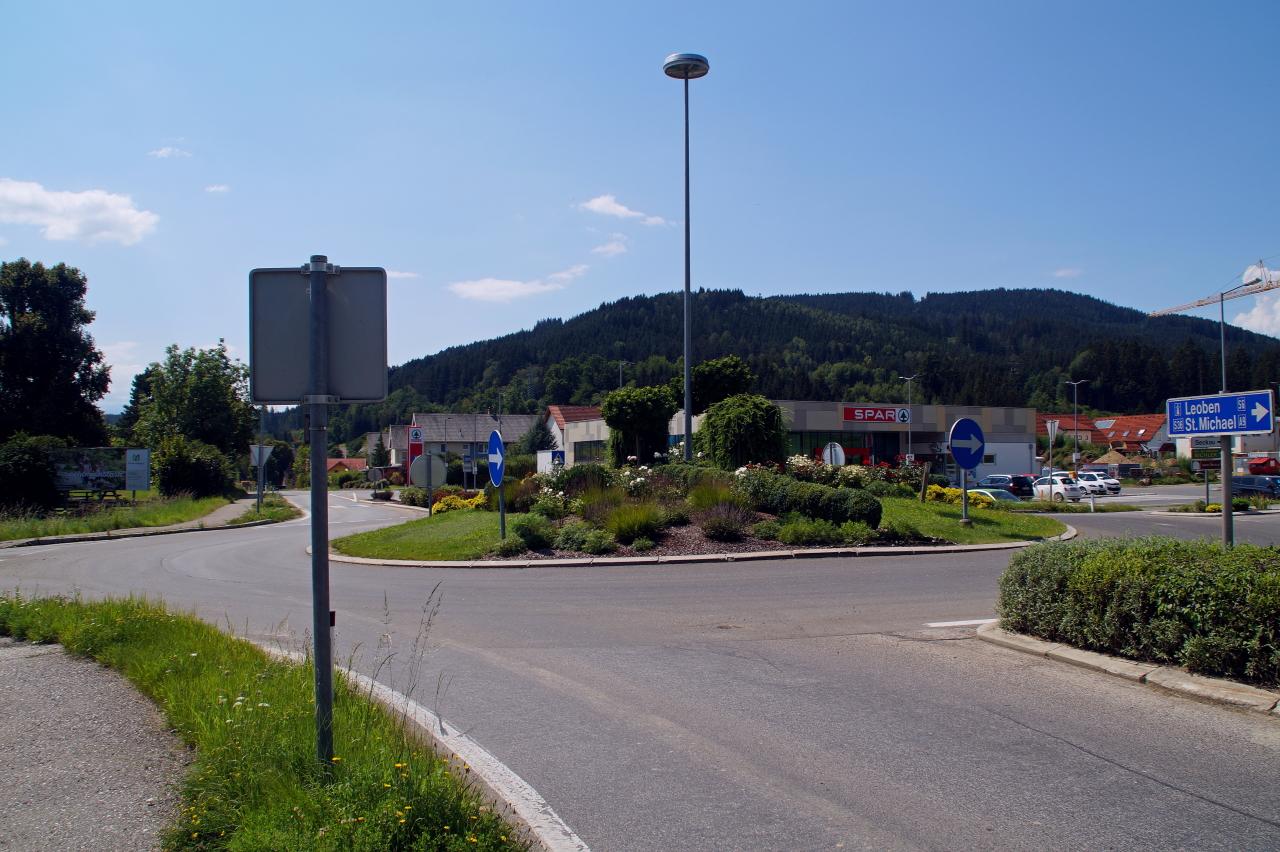 Kreisverkehr in Kobenz