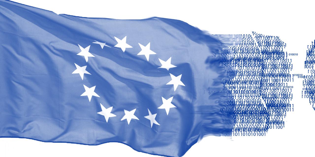 EU-Flagge löst sich in Nullen und Einsen auf