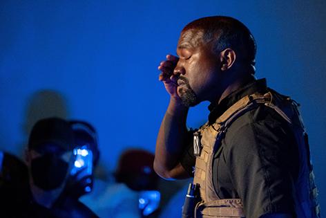 Kanye West weint