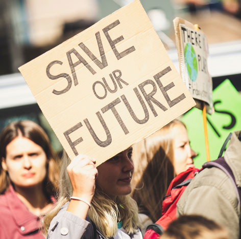 """Demonstrationsschild """"Save our Future"""""""