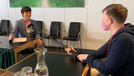 Ö3-Reporter Max Bauer und Pamela Rendi-Wagner