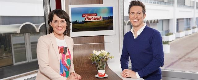 Eva Pölzl und Lukas Schweighofer führen abwechselnd durch die Sendung