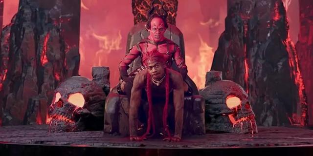 """Lil Nas X """"Montero"""" Videoclip Screenshot, Lil Nas X twerkt vor dem Teufel"""