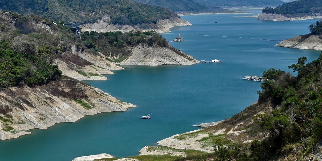 niedriger Wasserstand am Zengwen Damm/Taiwan