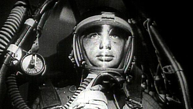 Juri Gagarin in der Sowjetkapsel