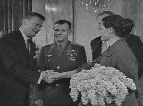 Juri Gagarin, Walentina Gagarin, Heinz Conrads
