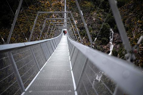 Fußgänger-Hängebrücke in Portugal