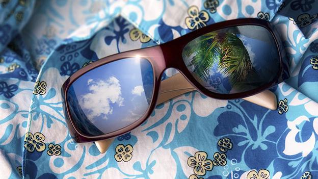 Hawaiihemd und Sonnenbrille
