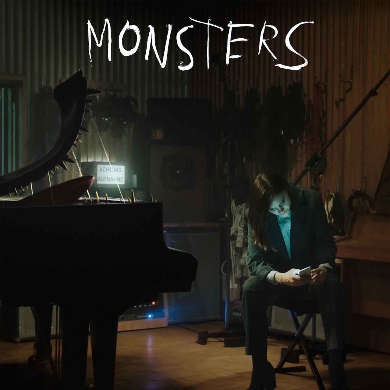 "Cover ""Monsters"" - Sophia Kennedy"