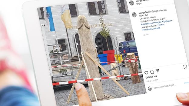 Spargel-Skulptur vor Rathaus sorgt für Wirbel