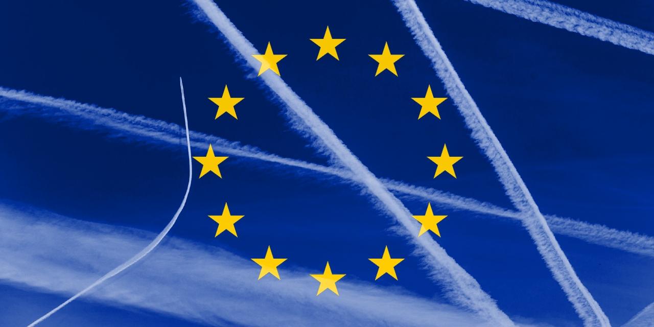 Kondensstreifen am Himmel, EU-Flagge