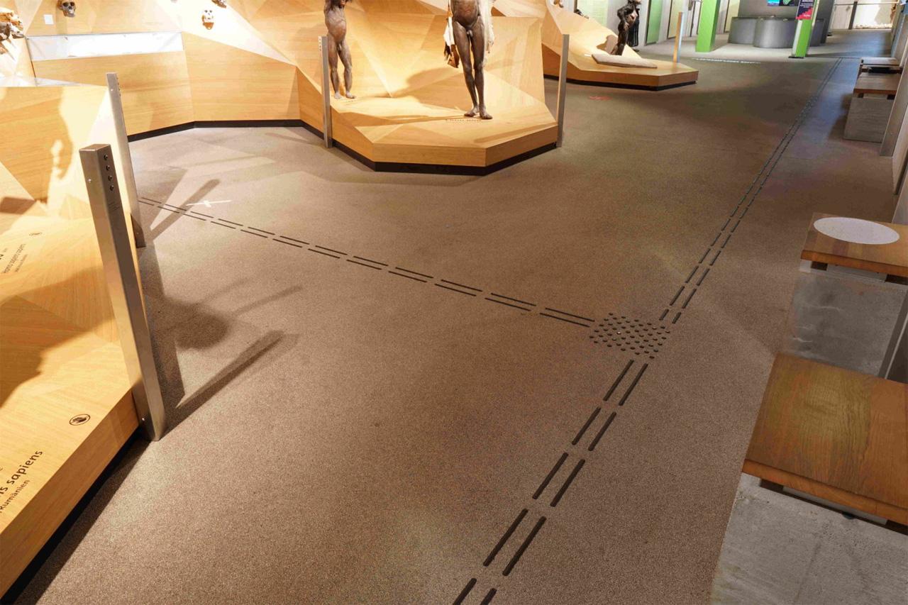 Bodenleitsystem in der Daueraustellung des Neanderthal Museum Mettmann