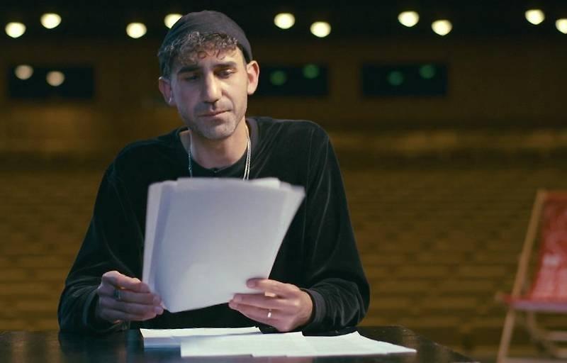 Necati Öziri liest um den Ingeborg-Bachmann-Preis.