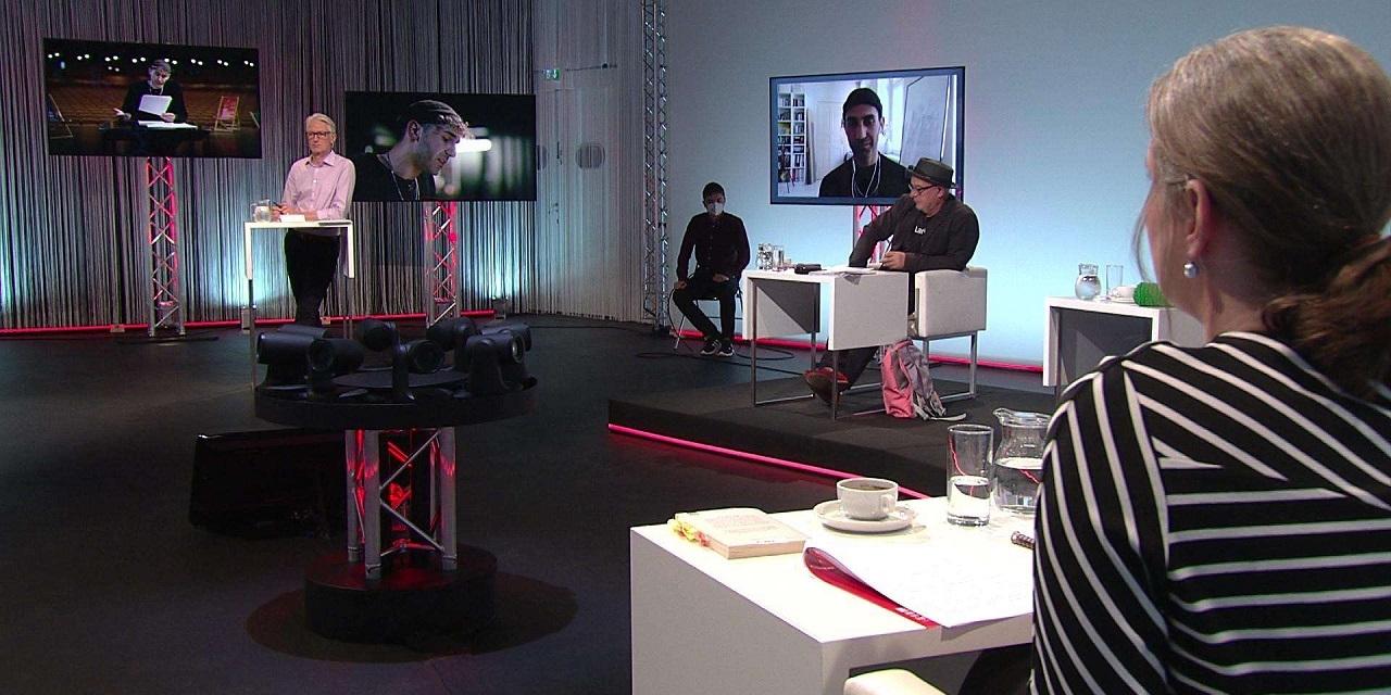 Die Jury sitzt im Studio bei den 45. Tagen der deutschsprachigen Literatur.