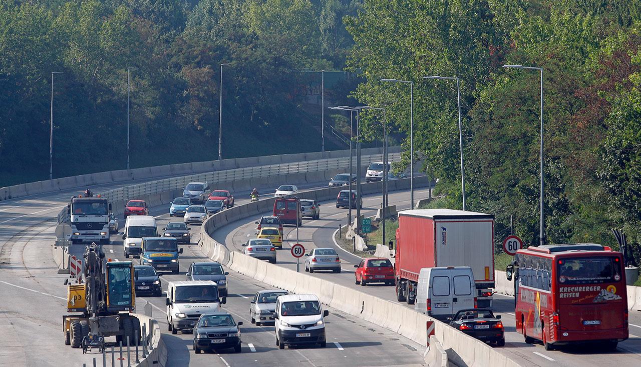 Südost-Tangente in Wien voller Autos