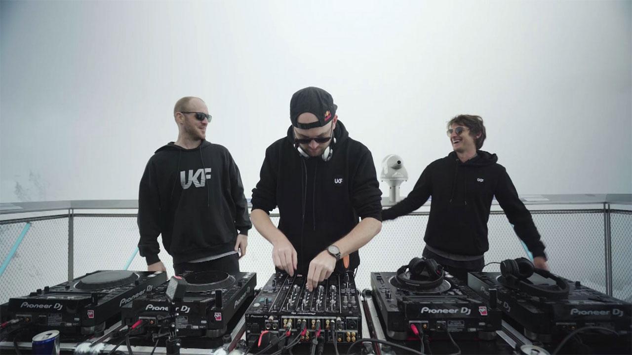 AVEC, Cari Cari, Camo & Krooked & Mefjus und Elektro Guzzi bei den FM4 Summer Sessions