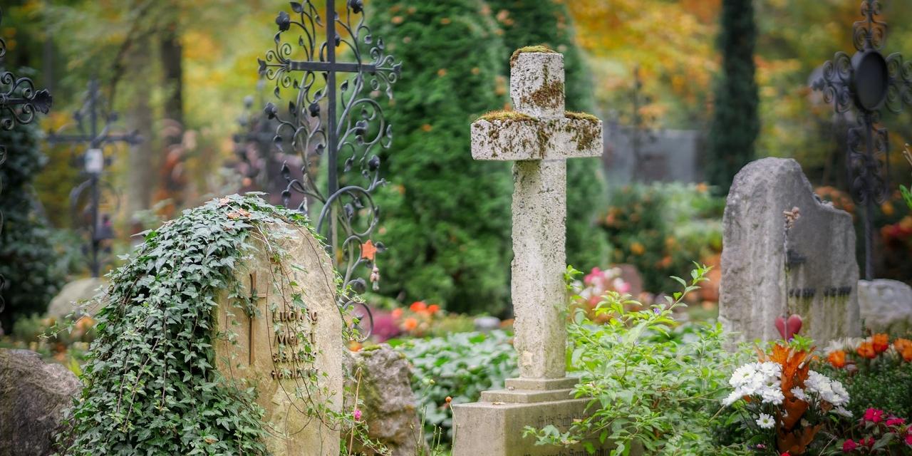 Gräber / Friedhof