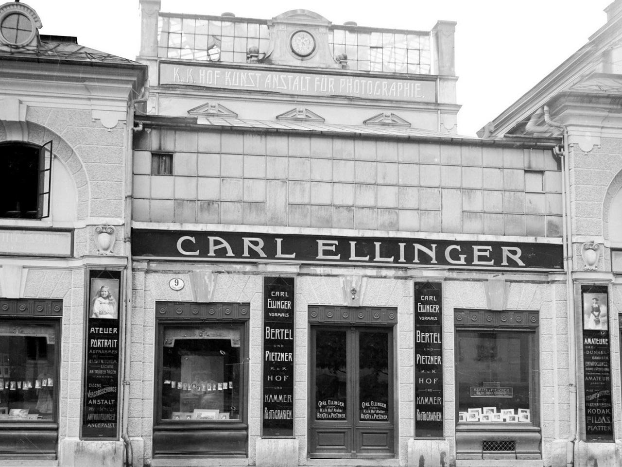 Das Fotostudio Ellinger in Salzburg, historische Aufnahme.