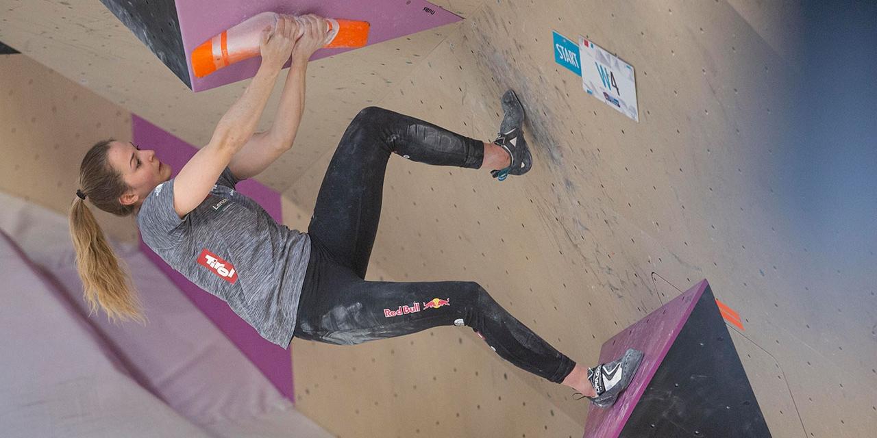 Jessica Pilz klettert