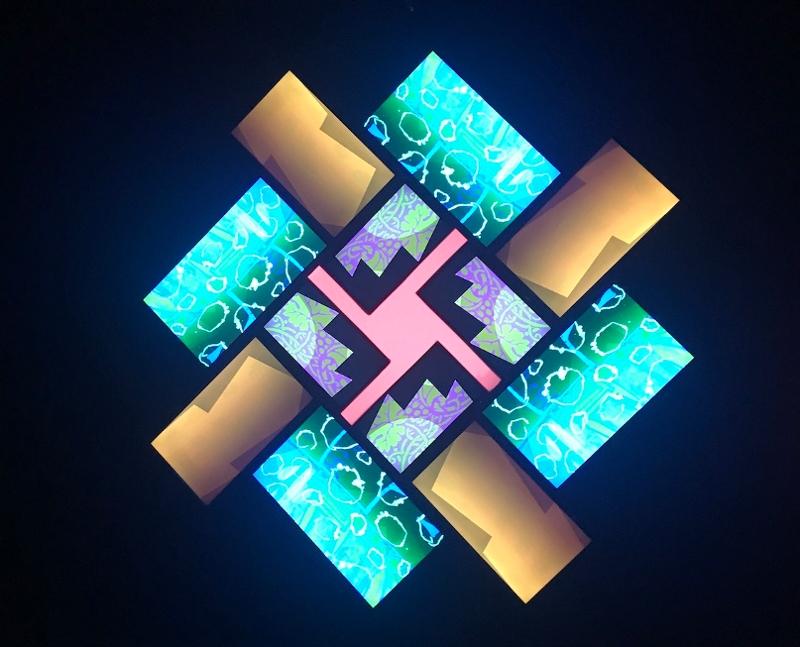 """Brian Eno kommt mit seiner Installation """"77 Million Paintings"""" zum Elevate Festival 2021"""