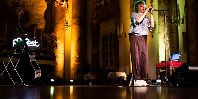 Oskar Haag beim Popfest in der Karlskirche