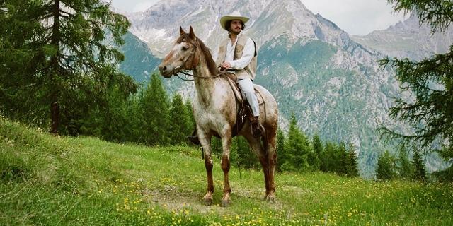 Portrait Ruhmer mit Pferd