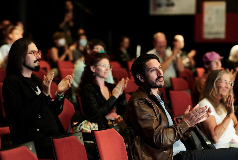 Audience applauding @ Brian Eno talk