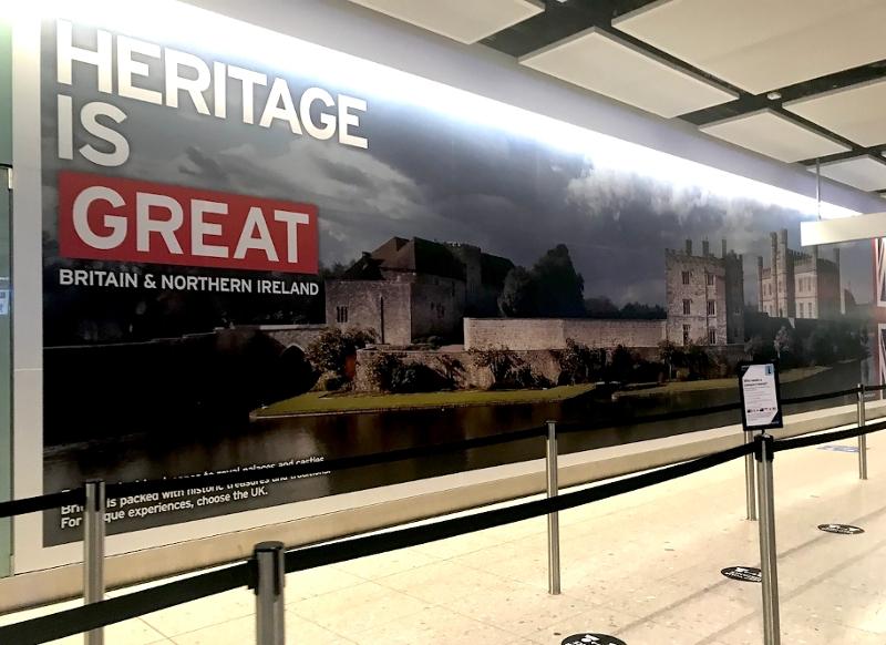 Poster Heritage is GREAT am Flughafen Heathrow
