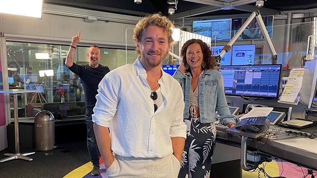 Nathan Trent mit Robert Kratky und Sandra König
