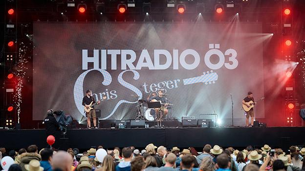 Chris Steger auf der Ö3-Bühne am Donauinselfest