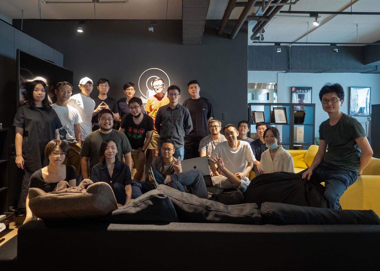 Das Team des Videospielstudios SIGONO.