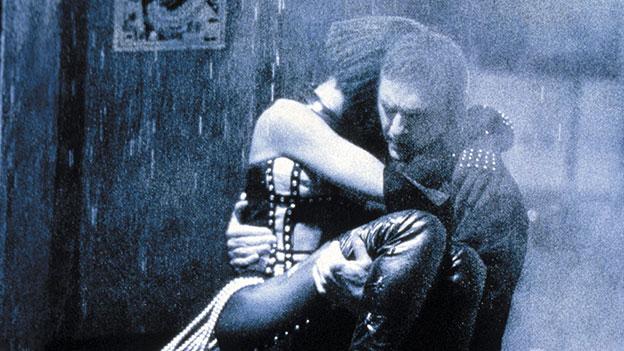 """Whitney Houston und Kevin Costner in einem Bild aus """"The Bodyguard"""""""