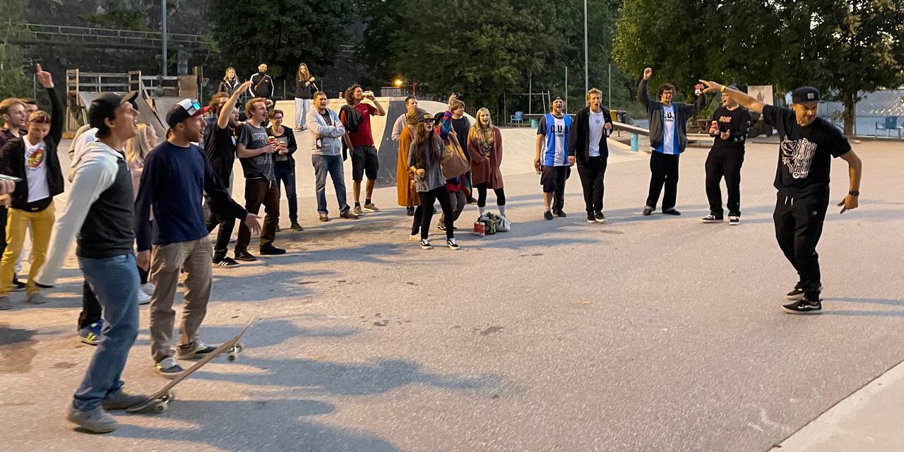Texta performen am Skatepark