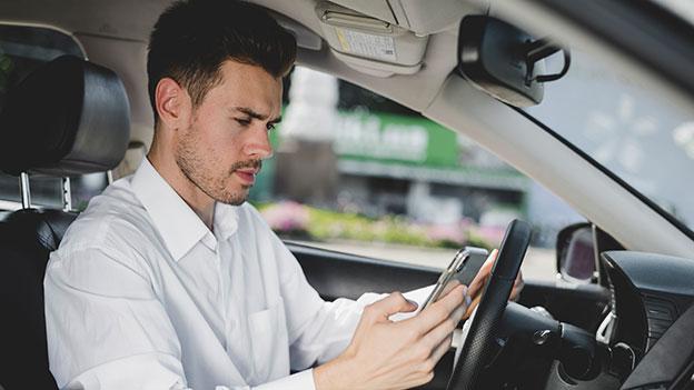 SMS schreiben Auto