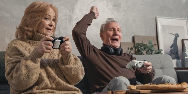Senioren beim Gaming