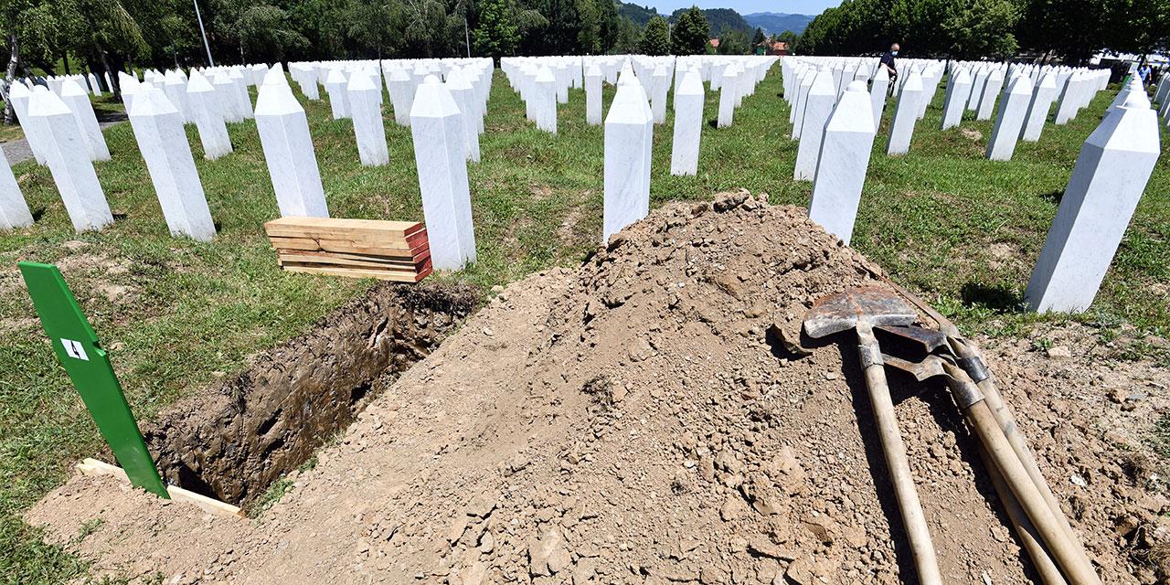 Gräber in Srebrenica