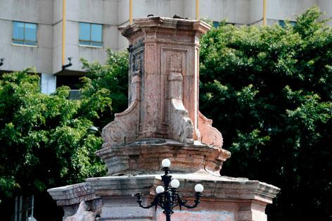 2020 ist die Statue von Christoph Columbus in Mexico-City entfernt worden