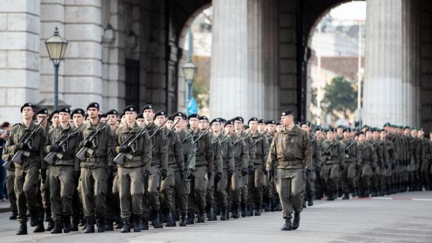 Die Leistungsschau des Bundesheeres am Wiener Heldenplatz am Nationalfeiertag